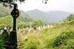 中世纪县坟园, Glendalough,县威克洛,爱尔兰 图库摄影