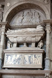 中世纪和新生墙壁坟茔在Santi乔凡尼e保罗,威尼斯, 免版税库存照片