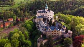 中世纪哥特式和新生样式城堡鸟瞰图  库存照片