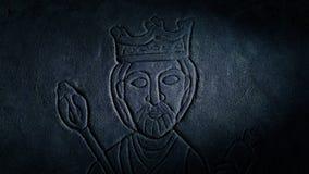 中世纪国王Wall Carving与火炬的Lit Up 股票视频