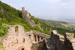 中世纪城堡圣徒乌尔里克,法国的废墟 免版税库存照片
