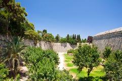 中世纪城堡在罗得岛,希腊老镇。 免版税图库摄影