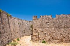 中世纪城堡在罗得岛,希腊老镇。 免版税库存图片