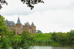 中世纪城堡在阿姆斯特丹-荷兰附近的Muiden - archite 免版税库存照片