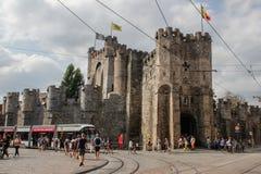 中世纪城堡堡垒在市中心 免版税库存照片