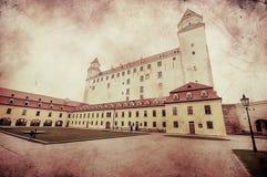 中世纪城堡的减速火箭的图象在布拉索夫 免版税库存图片