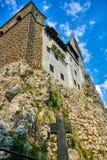 中世纪城堡的墙壁在麸皮,特兰西瓦尼亚,罗马尼亚的 免版税库存图片