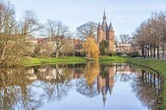 中世纪城市门Sassenpoort,兹沃勒 免版税库存图片