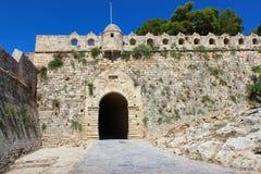 中世纪堡垒墙壁和门 库存图片