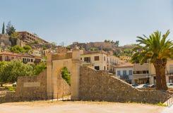 中世纪堡垒老门在纳夫普利翁,希腊 库存照片