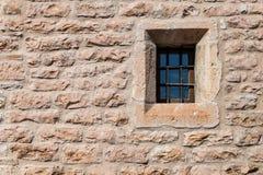 中世纪墙壁窗口 库存照片