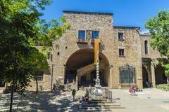 中世纪大厦在老镇巴塞罗那 库存照片