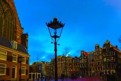 中世纪大厦在阿姆斯特丹荷兰 库存图片