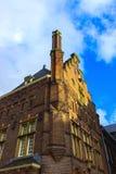 中世纪大厦在阿姆斯特丹荷兰 免版税图库摄影