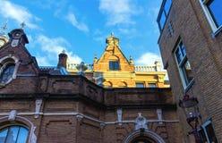 中世纪大厦在阿姆斯特丹荷兰 图库摄影