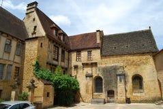 中世纪大厦在Sarlat在多尔多涅省,法国 免版税图库摄影