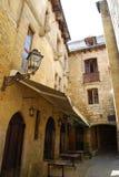 中世纪大厦在Sarlat在多尔多涅省,法国 免版税库存图片