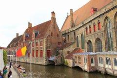 中世纪大厦布鲁日运河比利时 免版税图库摄影