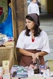 中世纪妇女服装 免版税库存图片