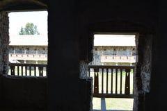 中世纪宫殿的幻想重建在村庄Racos,特兰西瓦尼亚 免版税图库摄影