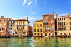 中世纪宫殿达里奥和Salviati在大运河,夏天视图 免版税库存照片
