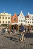 中世纪市场在塔林老镇中心,爱沙尼亚 免版税库存照片