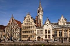 中世纪市的江边跟特在比利时 免版税库存照片