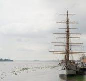 中世纪帆船的激动人心的图象 免版税库存图片