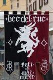 中世纪徽章在Caterina Cornaro庆祝的传统游行来临到城市,中世纪节日在布雷西亚, 库存照片