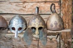 中世纪战士北欧海盗盔甲的复制品 库存图片