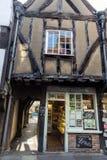 中世纪房子的门面摇晃不稳街道的在约克 库存图片
