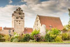 中世纪手表塔在Dinkelsbuehl 库存图片
