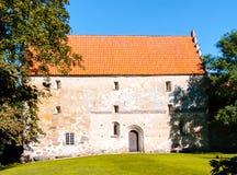 中世纪教会在有两个地板的瑞典 图库摄影