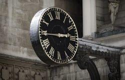 中世纪教会时钟 免版税库存照片