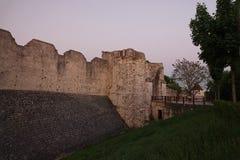 中世纪普罗万城市墙壁日落的在法国 免版税图库摄影
