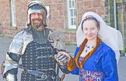中世纪服装充分的骑士的夫人 免版税库存图片