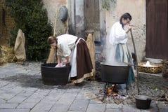 中世纪服装党的参加者 免版税库存图片
