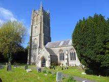 中世纪村庄教会在英国 免版税库存图片