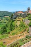 中世纪村庄的看法谷的 免版税库存图片