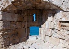 中世纪漏洞在海岛罗得岛,希腊上的老镇。 免版税库存照片