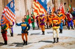 中世纪的摇旗 免版税图库摄影