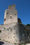 中世纪石塔在山村在法国的Drome地区 免版税图库摄影