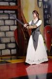 有长的刀片的骑士女孩 库存照片
