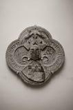 中世纪纹章学石雕刻 免版税库存照片