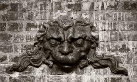 中世纪纹章学石雕刻 库存照片