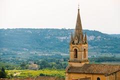 中世纪美丽的教区教堂在博尼约村庄,普罗旺斯, 库存图片