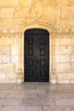 中世纪葡萄牙门黑色特写镜头建筑特点战争 库存照片