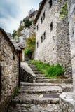 中世纪街道在Pocitelj 库存照片