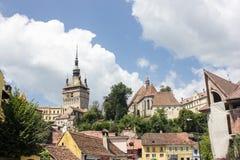 中世纪街道视图在Sighisoara城堡,罗马尼亚 免版税图库摄影
