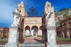 中世纪诺曼底大教堂在Cefalu西西里岛 库存照片